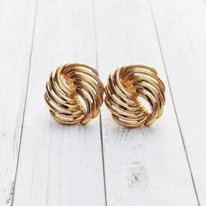 ❄️ Vintage Gold Tone Knot Earrings ❄️